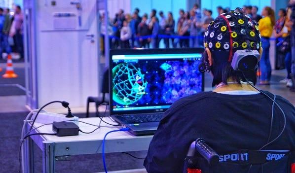 واسط مغز و رایانه(BCI)